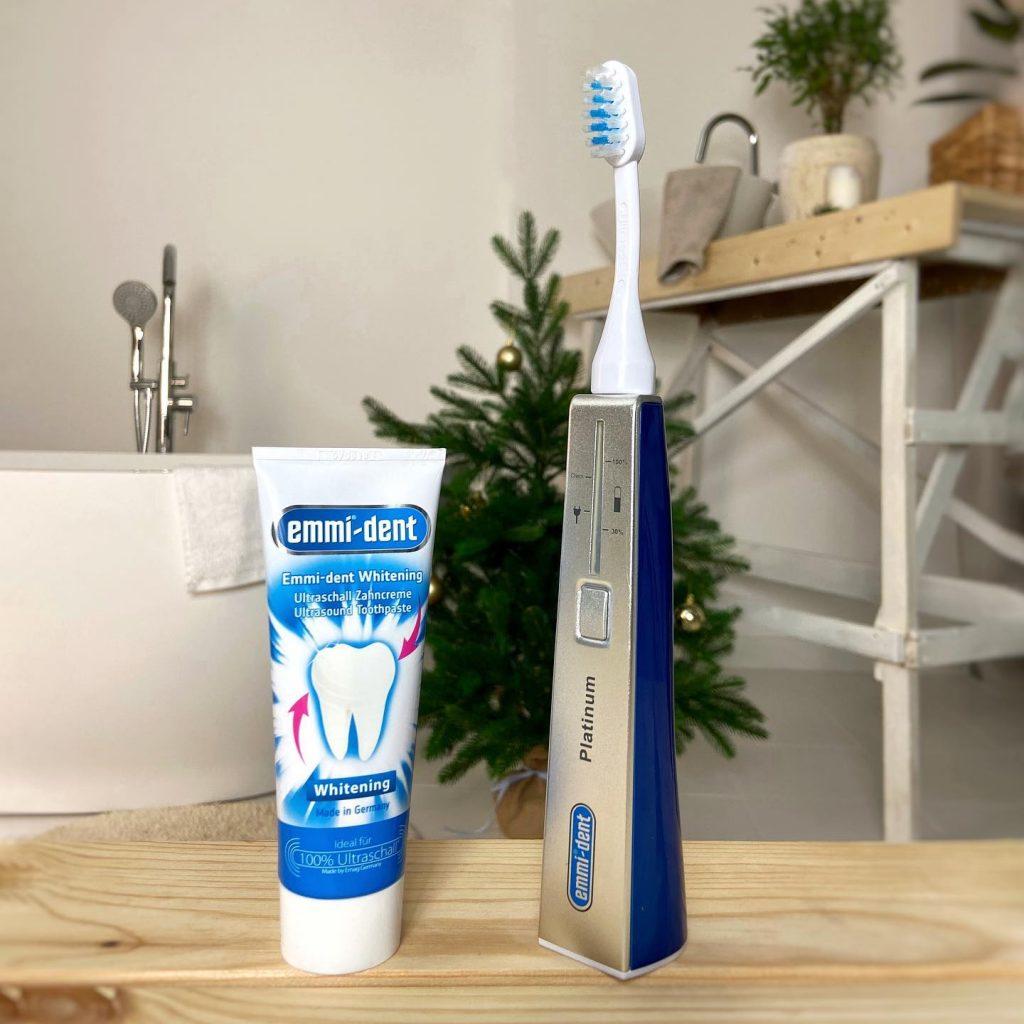 Зубная щетка Emmi-dent